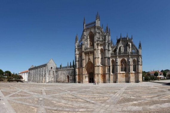 Fátima, Batalha, Nazaré and Óbidos Private Tour